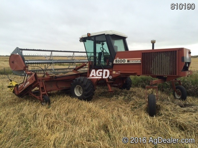 Hesston 8100 Windrower / Swather